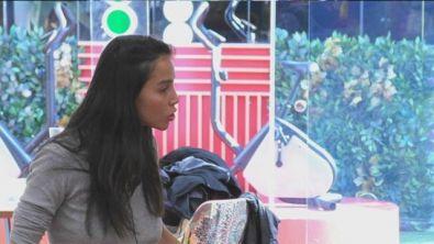 Paola Di Benedetto difende Andrea Denver