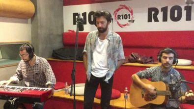 Gli Ex-Otago cantano Quando sono con te a R101