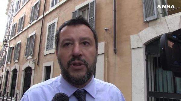 Governo, Salvini blinda Rixi e rilancia flat tax e sicurezza