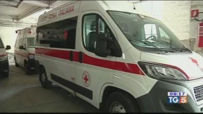 Paletto di ferro contro un'ambulanza
