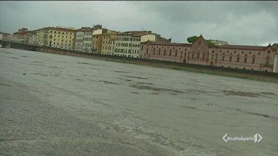Toscana, trombe d'aria e fango