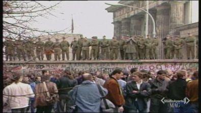 30 anni fa la caduta del muro di Berlino