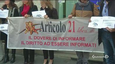 """""""Giù le mani dall'informazione"""""""