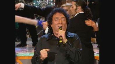 """Tony Dallara canta """"Come prima"""" a Buona Domenica 1997"""