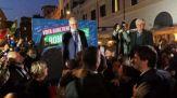 Roma, grande festa in piazza per la vittoria di Roberto Gualtieri