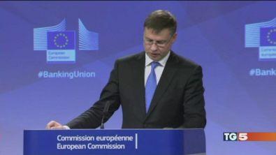 UE: allarme sui conti, rischi debito, pensioni