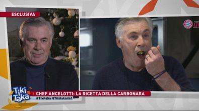 Chef Ancelotti prepara la carbonara