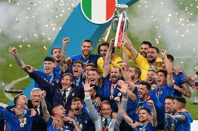 Italia-Inghilterra 4-3 dcr (1-1): azzurri campioni d'Europa!