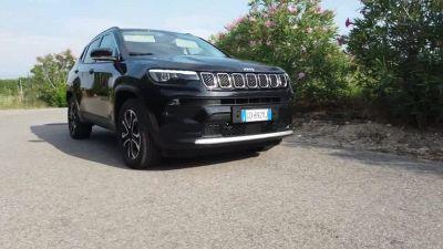 La nuova Jeep Compass 4xe