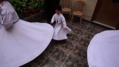 La tradizione dei dervisci in Siria: il più giovane ha 3 anni