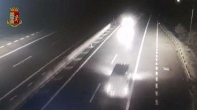 Autista ubriaco percorre 10 chilometri contromano in autostrada