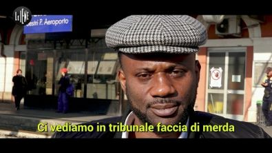 """Tiziano Renzi, l'ex lavoratore nigeriano replica con la canzone: """"Io ballerò"""""""