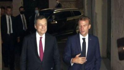 Draghi da Macron a Marsiglia, intesa su accoglienza degli afgani