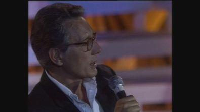 """Enzo Jannacci canta """"Son Scioppàa"""" a Cabaret per una notte"""