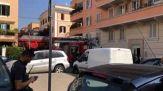 Roma, si barrica in casa con bombole di gas e taniche di benzina