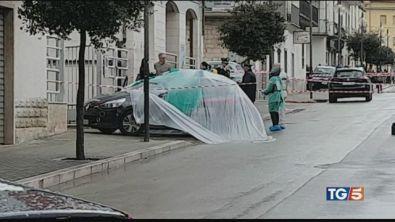 Sparatoria in piazza, ucciso un carabiniere