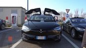 Come ricaricare una Tesla Model X al Supercharger Tesla