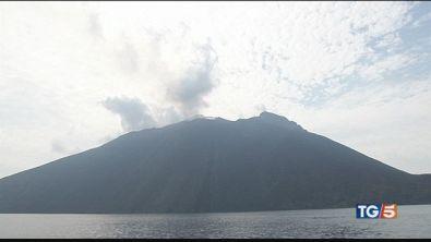Stromboli, l'attività del vulcano è in regresso