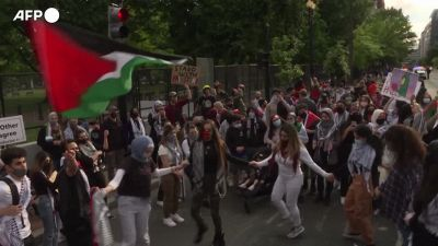 Usa, manifestanti filo-palestinesi presidiano la Casa Bianca
