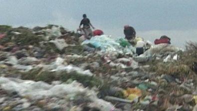 """Argentina, viaggio tra i """"cacciatori di spazzatura"""""""