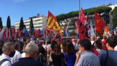 Alitalia, presidio dei lavoratori davanti alla sede di Ita