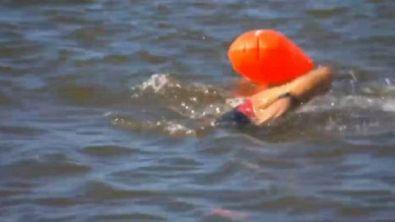 Robben, 8km a nuoto per beneficenza
