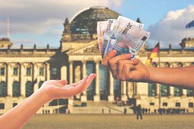 5 regole sui prelievi di contanti: i soldi vanno giustificati?
