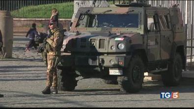 Il dietrofront su Roma no soldati per le buche