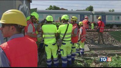 Treni, il sabotaggio per bloccare l'Italia