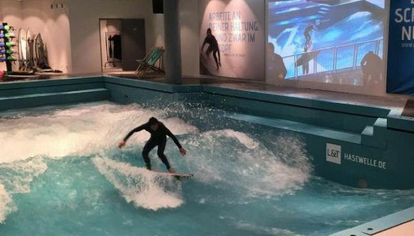 Germania, come fare surf in una piscina coperta in Sassonia