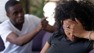 Cos'è il love bombing: la pericolosa tendenza tra le coppie