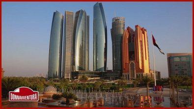 Abu Dhabi, la città sorta tra le dune di sabbia