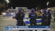 Breaking News delle 12.00 | Si indaga per terrorismo