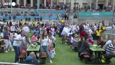 Europei, Shaw sblocca la finale: i tifosi inglesi a Londra e Manchester esplodono di gioia