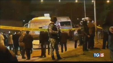Bomba contro bus turisti nel mirino