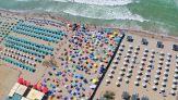 Turismo, le linee guida per spiagge, piscine e centri termali