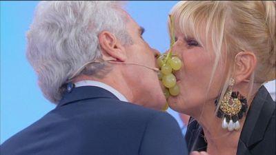 Gemma e Jean Pierre: il gioco dell'uva