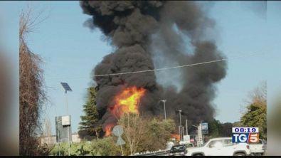 Inferno sulla Salaria muore pompiere-eroe