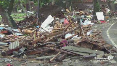 Si aggrava il bilancio dello tsunami