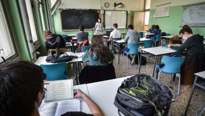 Scuola d'estate: come funziona tra lezioni, sport e musica