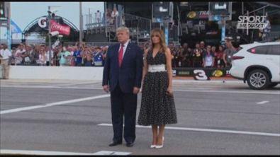 """Trump in limousine alla Daytona""""500"""