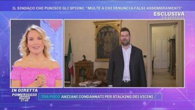 Covid-19, Vercelli, il Sindaco che punisce gli spioni: ''Multe a chi denuncia falsi assembramenti''