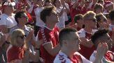 Europei, tifosi danesi a Copenaghen rendono omaggio a Eriksen
