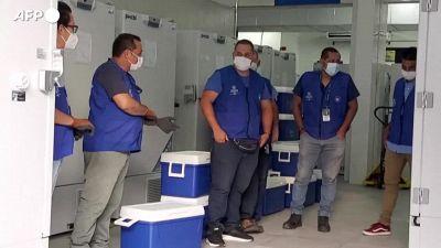 Vaccini, El Salvador regala dosi all'Honduras
