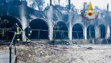 Incendio a Temptation Island, in fiamme il resort in Sardegna
