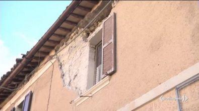 Case crollate, tanti gli sfollati