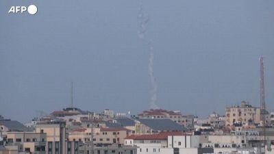 Israele, la giornata scandita dalle sirene a Tel Aviv
