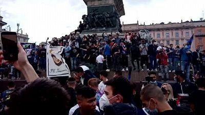 Inter campione d'Italia, la festa in piazza Duomo a Milano