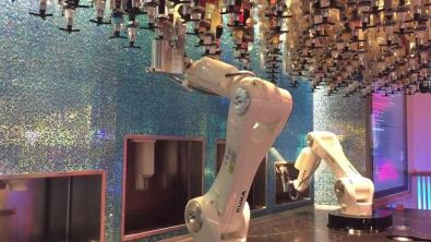 A Las Vegas i cocktail li preparano due robot (italiani)