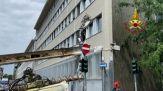 A Milano trivella crolla su un palazzo, nessun ferito